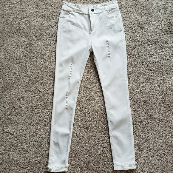 9ee713ff55e87 coco + carmen Pants | Coco Carmen Distressed White Jeggings Size Sm ...